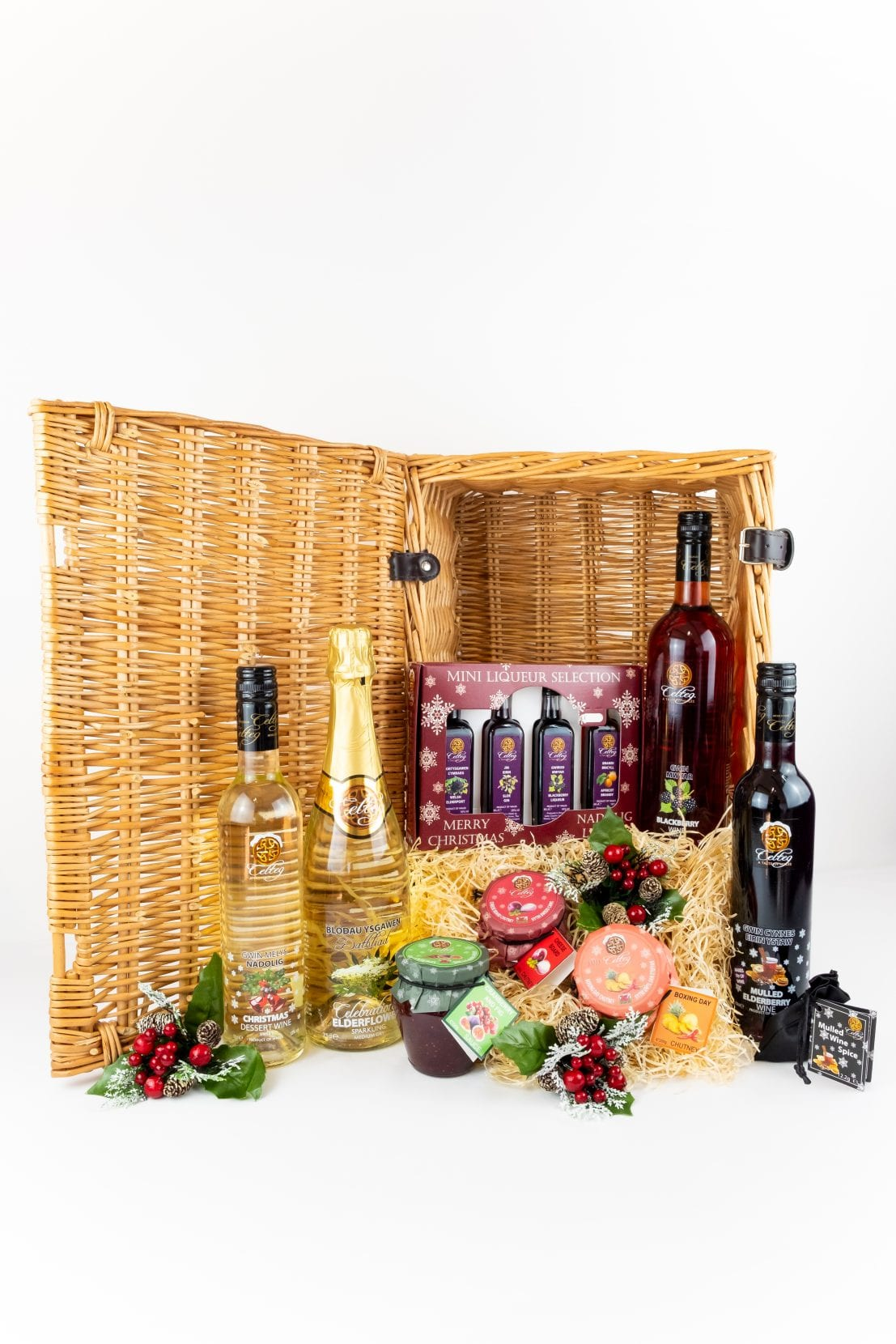 Buy Luxury Christmas Hamper Celtic Country Wines